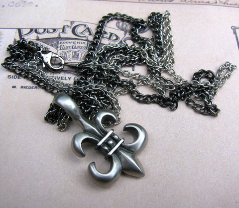 Fleur,de,Lis,Double,Chain,Necklace,-,Unisex,Jewelry,pewter,gunmetal,silver plated brass,jewelry,necklace,masculine necklace,chain necklace,gothic necklace,gothic jewelry,necklace for men,double strand,grey necklace,unisex necklace,unisex jewelry,fleur necklace,fleur jewelry,gothic fleur,grey fleur