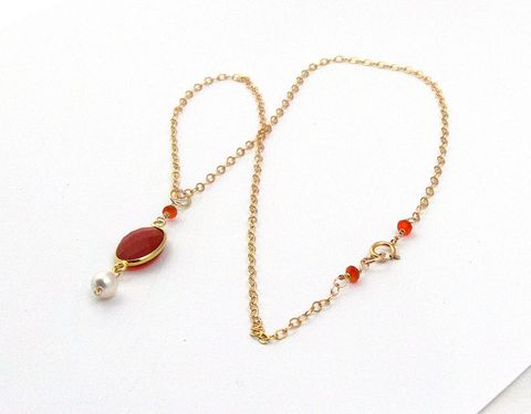 Gold,Plated,Bezel,Oval,Carnelian,on,a,14Kt,filled,Chain,Necklace,bezel set, gold plated, faceted gem stone, carnelian, swarvoski glass pearl