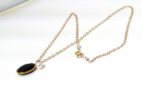 Gold,Plated,Bezel,Black,Onyx,Carnelian,on,a,14Kt,filled,Chain,Necklace,bezel set, gold plated, faceted gem stone,  black onyx, womans, necklace, swarvoski glass pearl