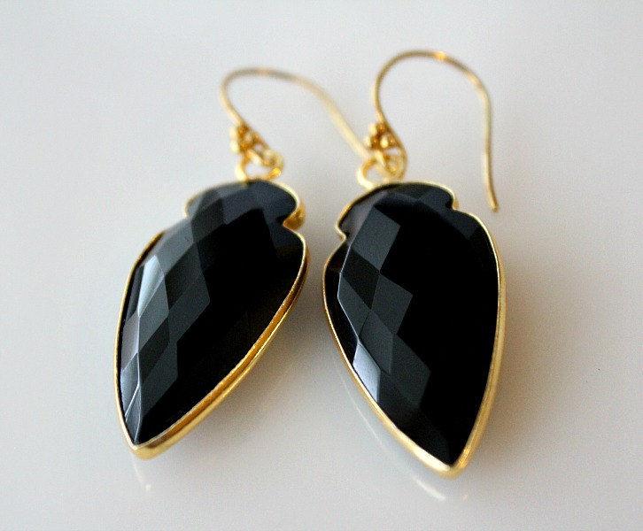 arrow black onyx drop earrings jet black gemstone