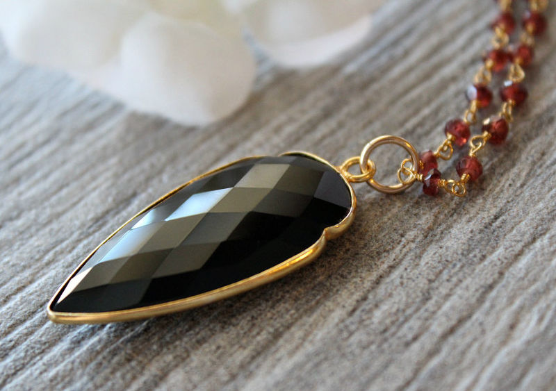 Large garnet and black onyx arrowhead pendant necklace red garnet large garnet and black onyx arrowhead pendant necklace red garnet rosary style arrow head aloadofball Images