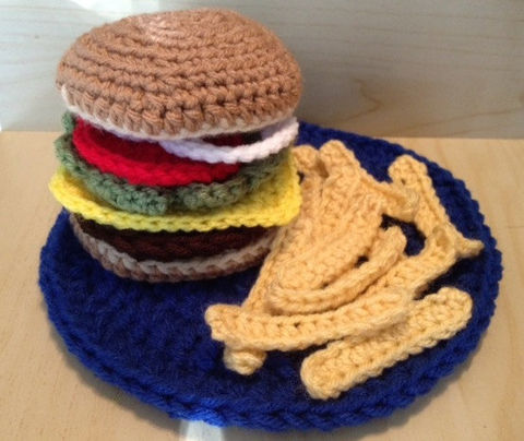 Crocheted,Cheeseburger,,Fries,and,Plate/,Play,Food,Crochet,cheeseburger,fries,lettuce,onions,tomatoes,cheese,plate,hamburger,food,play_food,children,toys,kitchen,acrylic yarn