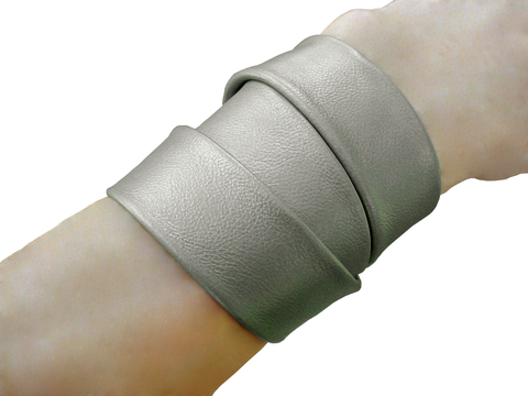 Essential 3 wrap lambskin bracelet, matte silver - product images  of