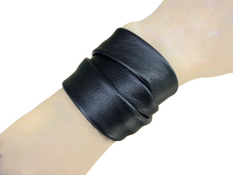 Essential 3 wrap lambskin bracelet, black - product images  of