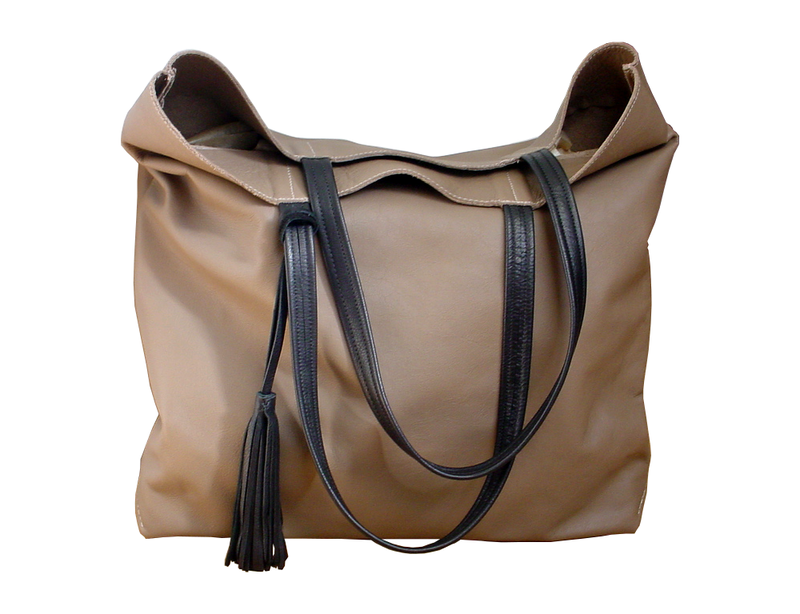 Big & soft leather tote, taupe & black - Mano Bello