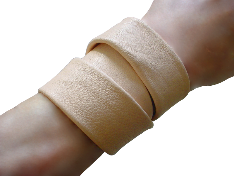 Essential 3 wrap lambskin bracelet, nude - product images  of
