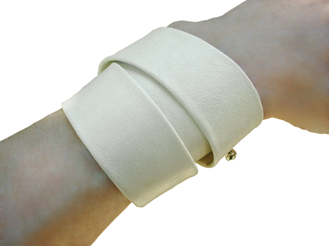 Essential 3 wrap lambskin bracelet, ivory - product images  of