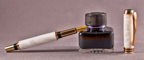 Pearly,White,Acrylic,Fountain,Pen,handcrafted, fountain, pen, fine writing, bock, white, gold, acrylic, handmade