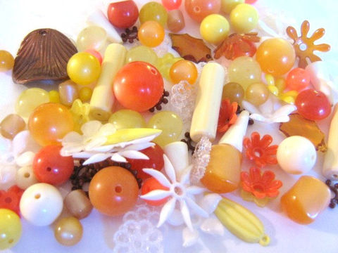 Assorted,Vintage,Lucite,Bead,Mix,Sun,Burst,Brown,Yellow,White,Orange,Round,Flower,Vintage_beads,lucite_beads,vintage_beads,vintage_leaves,bead_mix,old_bead_mixture,plastic_bead_mix,lucite_bead_mix,jewelry_making,old_plastic_beads, bead store, Beads2string, jewelry making supplies, craft supplies, vintage lucite beads,online_craft_