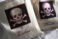 Eco,friendly,Trick,or,Treat,Bags---,Pirate,Party,Favor,Tote,Bags,Holidays,Halloween,Bag,trick_or_treat_bag,pirate,skull_and_crossbone,halloween_partyfavor,skull,personalized_totes,etsynj,halloween_tote