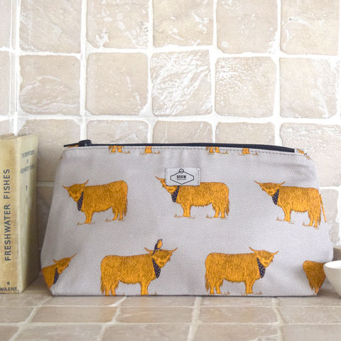 Highland,Coo,Wash,Bag,cosmetics bag, make up bag, scottish cosmetics bag, scottish make up bag, scottish, highland cow, coo, cow print make up bag, cow print cosmetics bag