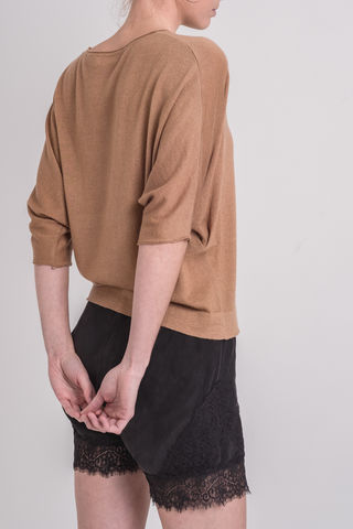 Lily,Lilly, Lily, drape, kimono, sweater, camel, cashmere, silk, round neck, batwing sleeves