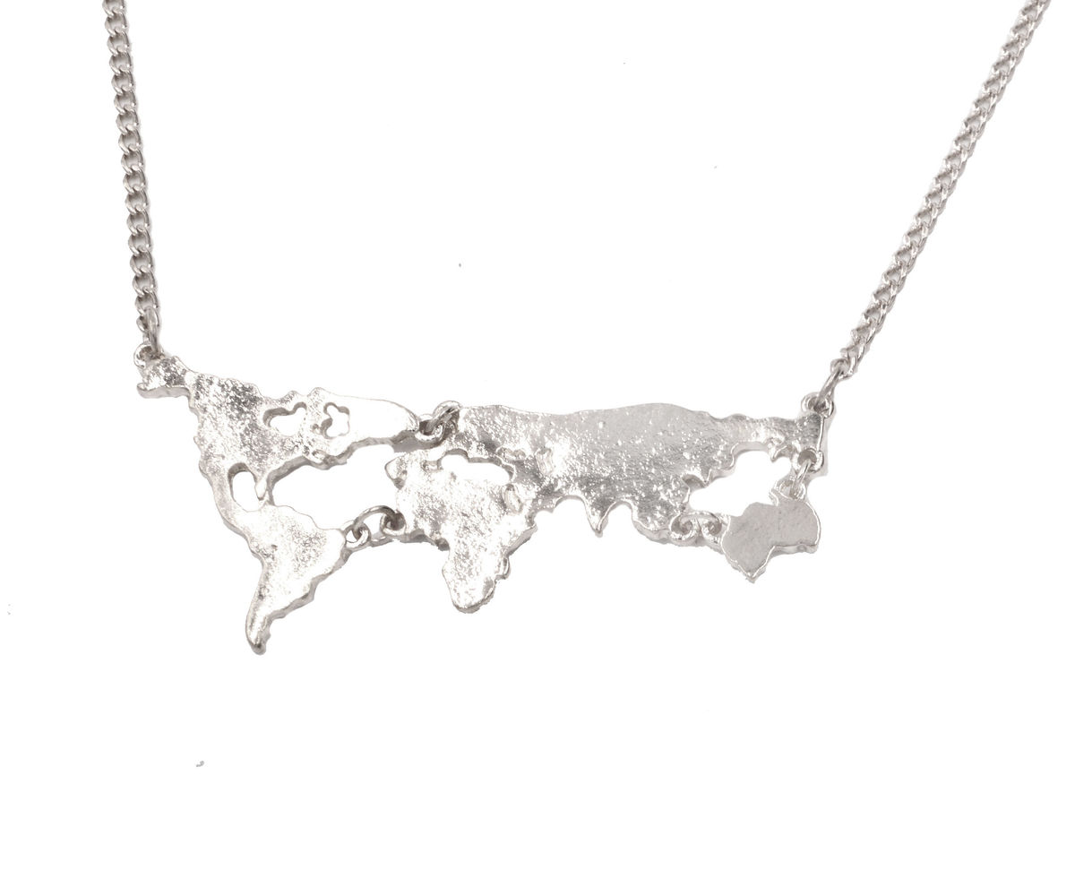 World Map Design Necklace In Silver Tone Quirky Unusual Jewellery 18 20 Organza Bag