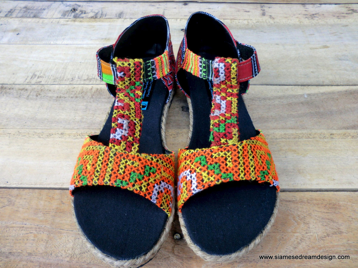 Lindsay T Strap Vegan Womens Sandals In Ethnic Hmong Embroidery - product images  of