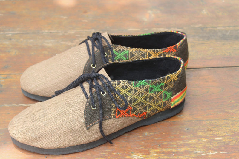 Hemp_Mens_vegan_shoes_with_colorful_ethnic_Laos_embroidrey-005_grande