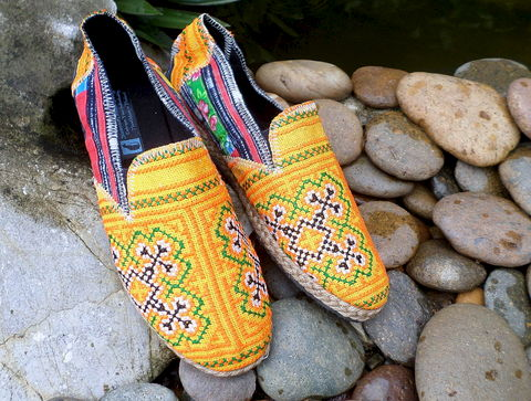 Morgan,-,Mens,Espadrille,Loafer,in,Bright,Orange,Hmong,Embroidery,And,Batik,Clothing,Shoes,Mens fashion,Mens espadrilles,Loafers,Vegan,Comfort,Mens_Vegan_Shoes,Naga textiles,Mens_shoes,ethnic_shoes,surfer_shoes,boho_man,casual_shoes,hemp_shoes,rubber sole,vegan,hemp