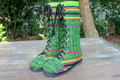 Britta,-,Womens,Combat,Boot,in,Green,Hmong,Batik,Clothing,Shoes,Womens tribal,boots,handmade boots,boho boots,ethnic boots,embroidered,combat,womens,green boots,bohemian_boots,vegan_boots,festival_wear,6_5_7_5_9_5,cotton,natural cotton,batik,rubber