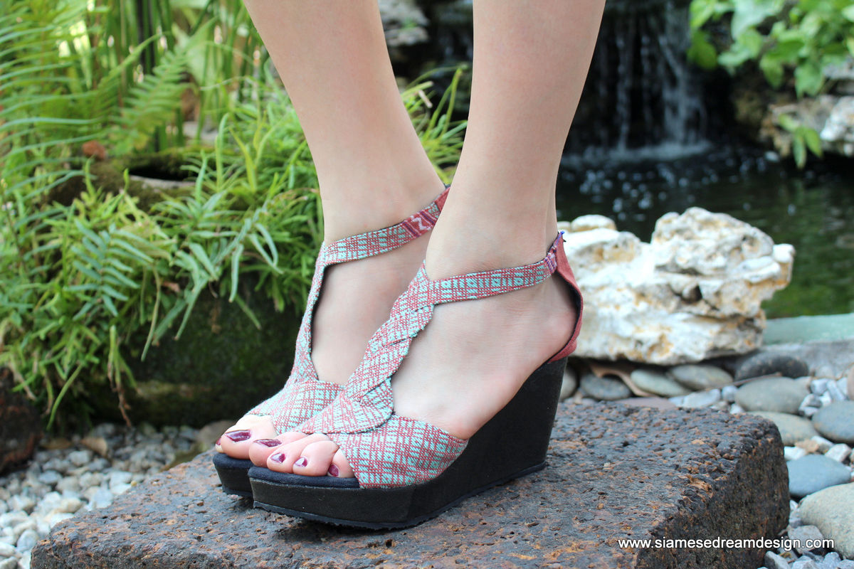 Hilary T Strap Womens Wedge Heel Sandals Karen Hand Woven Textiles - product images  of