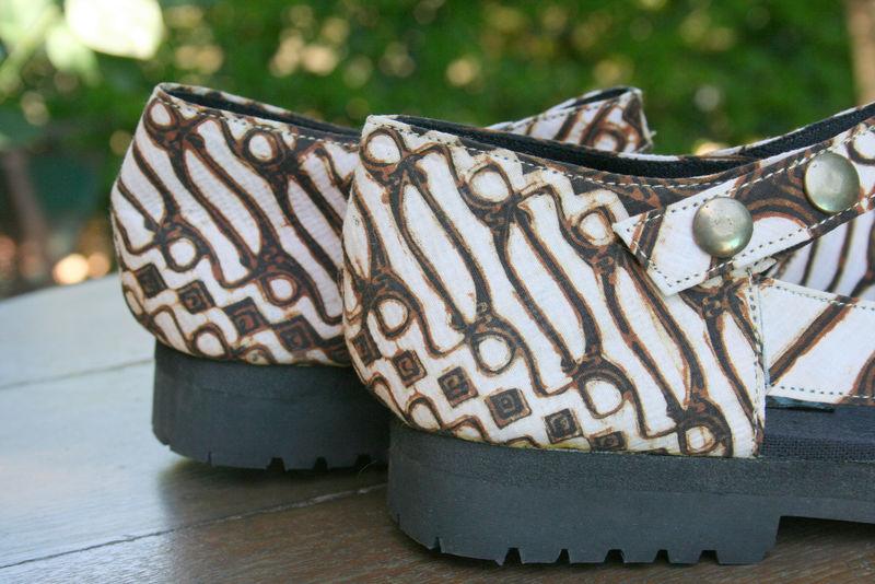 Maryjane classic women 39 s shoe in traditional yogyakarta Home decor yogyakarta