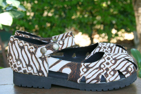 Maryjane,-,Classic,Women's,Shoe,In,Traditional,Yogyakarta,Batik,With,Treaded,Sole,Clothing,vegan Shoes,Women vegan shoes, vegan womens Espadrilles, eco friendly womens Flat shoes, vegan Mary_Jane,Vegan_Shoes,Colorful_Shoes,Womens,shoe, ethnic_shoes,Natural hand woven Cotton