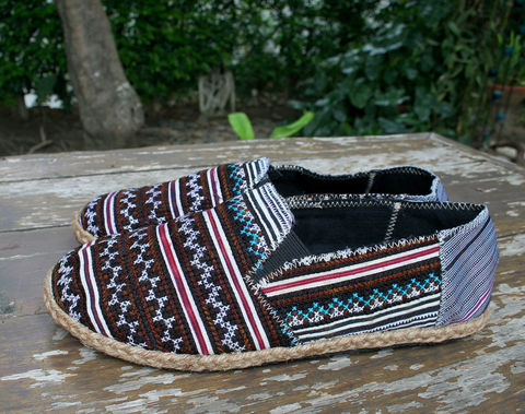 Morgan,-,Mens,Loafers,in,Hmong,Embroidery,,Vegan,Espadrille,Clothing,Shoes,Mens etical fashion,Mens espadrilles,vegan mens Loafers,Comfort,Mens_Vegan_Shoes,Naga textiles,Mens_shoes,ethnic_shoes,surfer_shoes,boho_man,casual_shoes,hemp_shoes,rubber sole,vegan,hemp