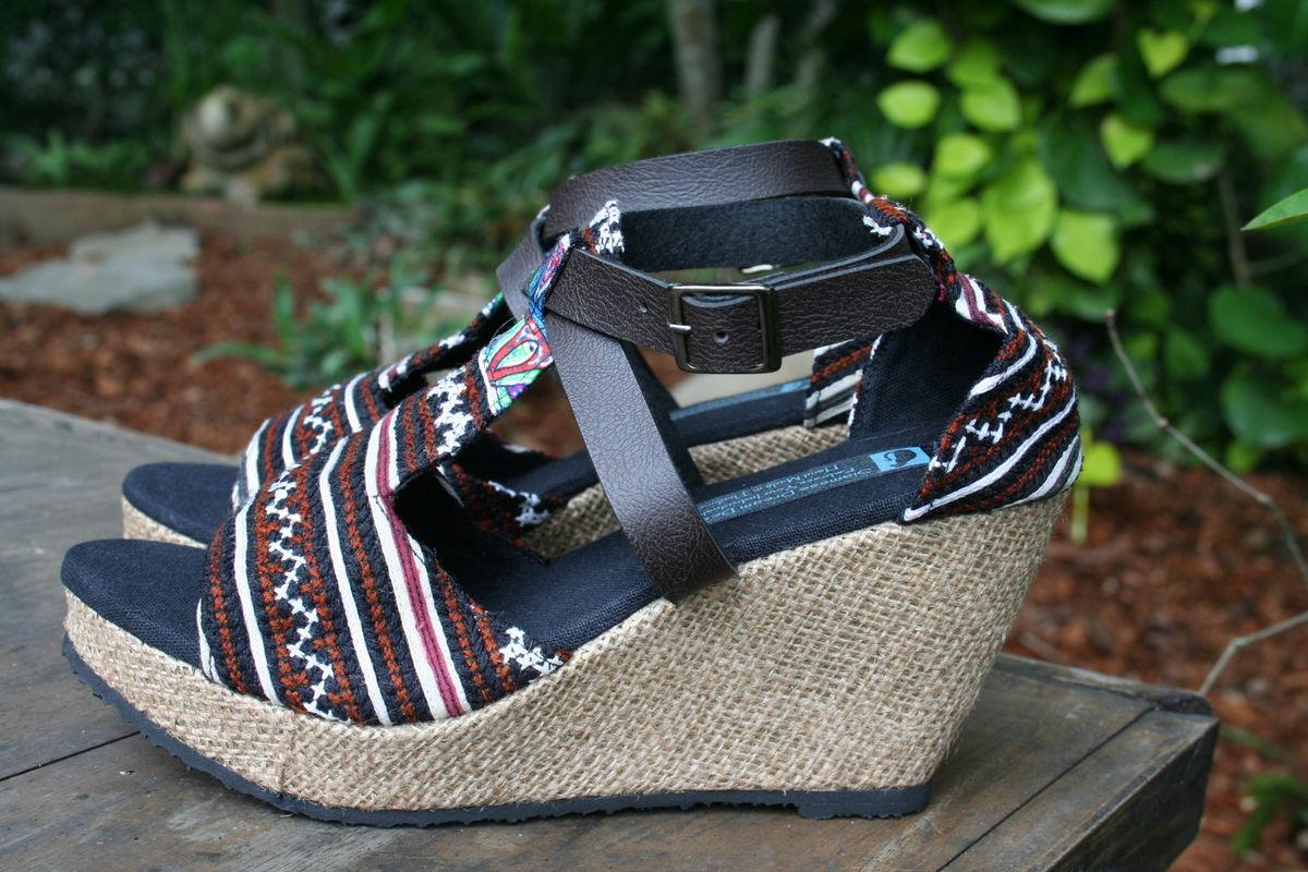Leighanna Womens Vegan Wedge Heel Sandals In Earthy Hmong Embroidery - product images  of