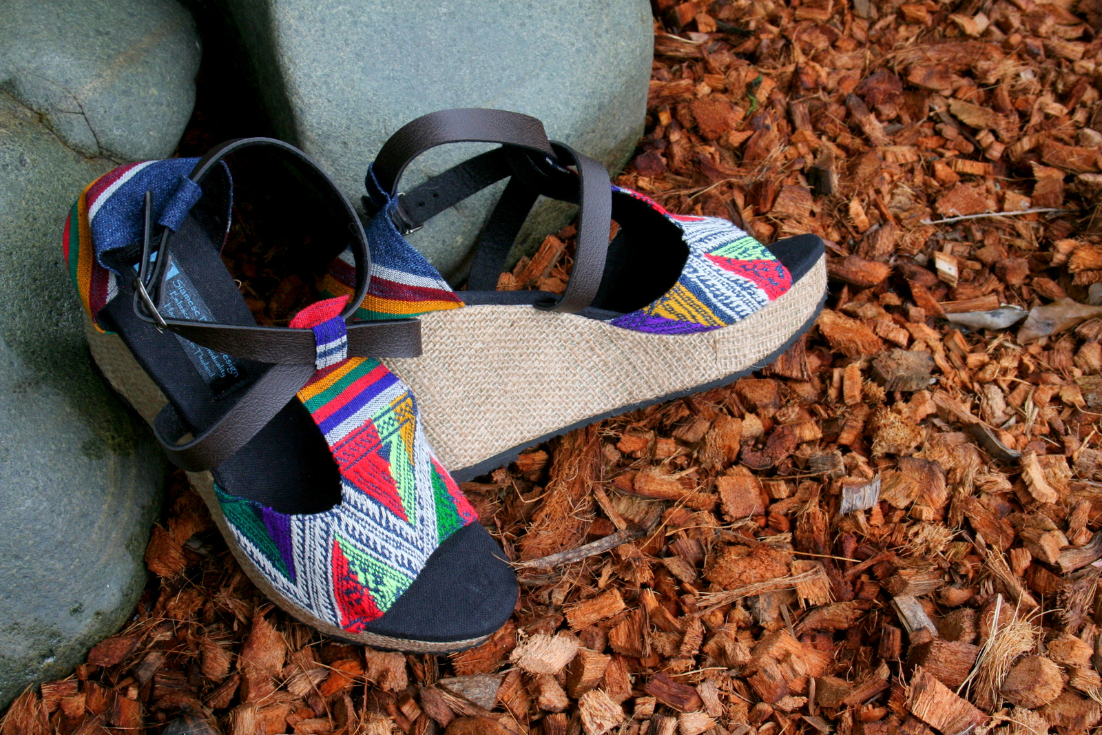 LEIGHANNA - WOMENS WEDGE HEEL SANDALS IN COLORFUL LAOS EMBROIDERY