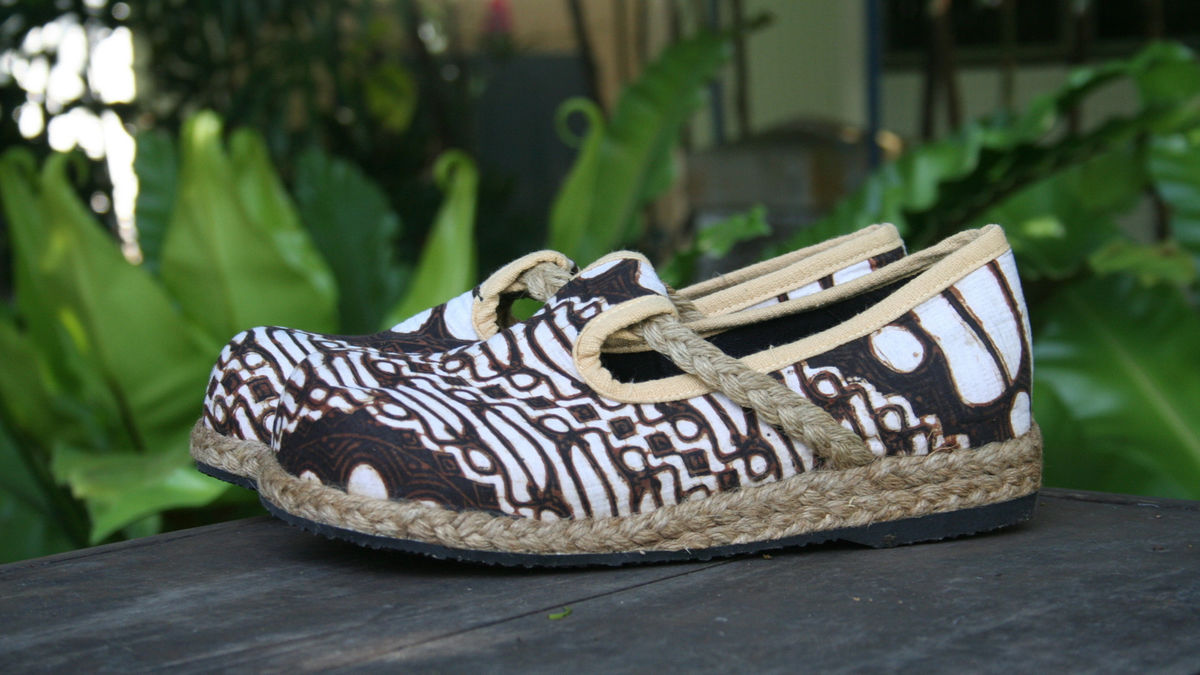 Casey - Women's Vegan Moccasin Shoe IN Hand Drawn Jogjakarta Batik  - product images  of