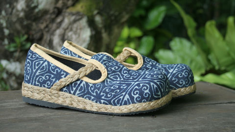 Casey,-,Women's,Hmong,Indigo,Batik,Moccasin,Shoe,Clothing,colorful Shoes, vegan Flats,Ethnic shoes,Embroidered shoes,Hmong shoes,womens Espadrille,Flat,Vegan_shoes,Colorful_shoes,womens_shoes,boho,espadrille_shoes,womens_espadrilles,Natural Cotton,Tribal Embroidery,batik