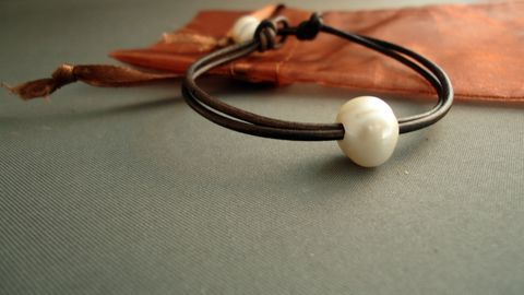 Single,pearl,leather,Bracelet,Jewelry,pearl_bracelet,leather_bracelet,leather_and_pearls,pearls_and_leather,ocean,women_gifts,white_pearls,freshwater_pearls,nautica,modern_chic,freshwater pearls,greek leather