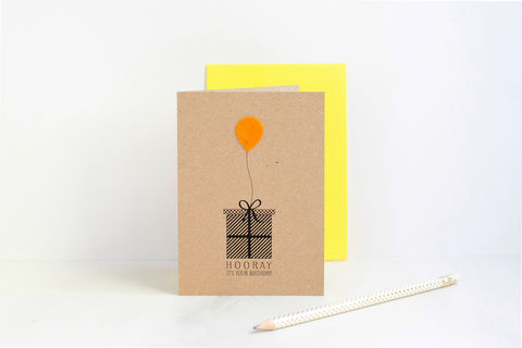 BIRTHDAY,PRESENT,CARD,WITH,FELT,BALLOON,Birthday card, birthday present card, birthday gift card, greeting card, blank inside card, kraft birthday card