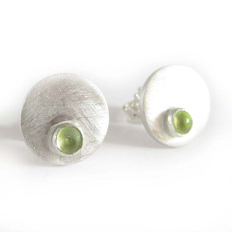stud silver earrings peridot round august bezel facet sterling birthstone
