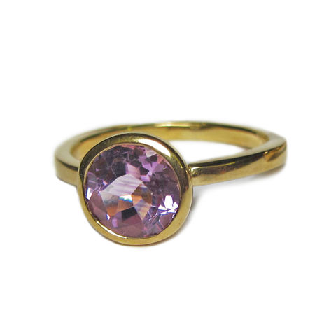 Large,Amethyst,Cocktail,Ring,,18ct,gold,by,Catherine,Marche,big amethyst ring, solid gold ring,catherine marche jewellery,cocktail ring, gold and purple,jeweller in london, engagement ring
