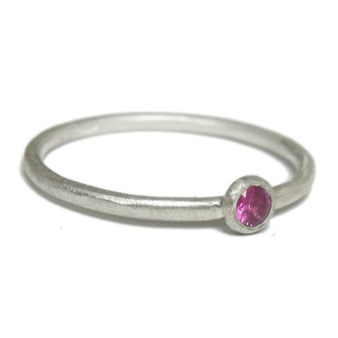 Pink,Sapphire,Ring,-,Sterling,Silver,by,Catherine,Marche,hot pink sapphire, pink sapphire ring, brushed silver, catherine marche, bespoke jewellery in London, jewellery designers collective, jedeco