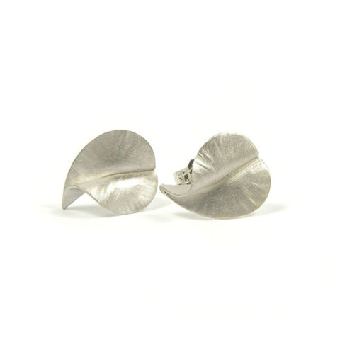 Silver,Tiny,Leaves,studs,by,nbbyNg,flower earrings, silver earrings, fuchsia earrings, silver leaves,  nbbyng jewellery, jedeco jewelry, london shopping, independent designers, handcrafted jewellery