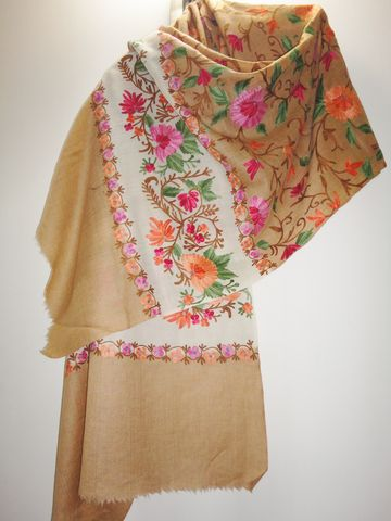 Dual,Color,Woollen,Stole,with,Floral,Jaal,in,Kashmiri,Aari,Embroidery,Kashmiri stole, Aari work, Beige stole, Oriental Wrap, Embroidered stole