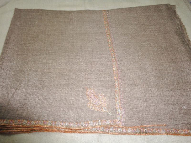 Embroidered Handwoven Natural Loose Weave Pure Pashmina Stole - product image