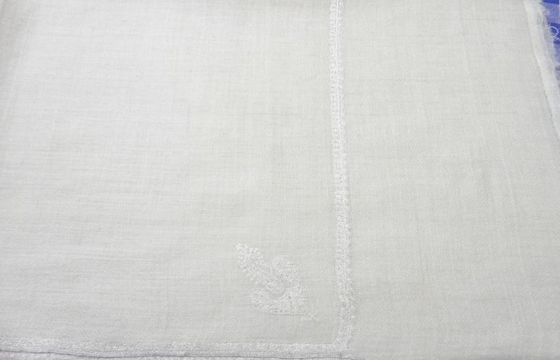 Natural White Handwoven Loose Weave Pure Pashmina Hand Embroidered Stole - product image