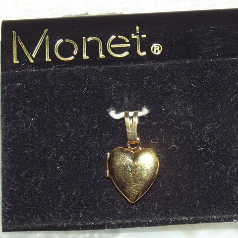 Monet,Heart,Locket,Charm, gold tone charm, charm, pendant, locket heart, locket, polish gold tone, vintage