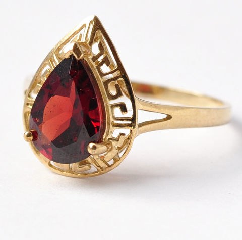 Cocktail,Rings:,Vintage,9K,Gold,&,Garnet,Paste,,Size,7.75,/,8,Teardrop Pear Shaped Vintage Red Paste Garnet 9K Yellow Gold Right Hand Cocktail Costume Jewelry Ring Gifts Ideas for Mom Wife Women
