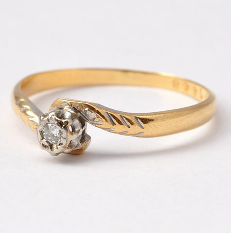 Diamond,Ring:,Antique,18K,Gold,&,Platinum,,Size,6.75,Antique Art Deco Simple Illusion Setting Solitaire Diamond Wheat Pattern 18K Gold Platinum Women's Engagement Ring