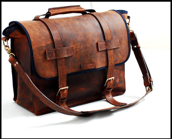 Unisex Leather Bag For Any Specialty In Full Grain Leather