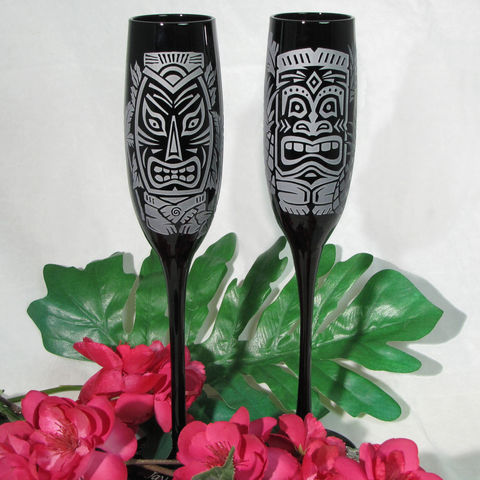 Black,Champagne,Flutes,,Hawaiian,Tiki,Wedding,Toasting,Glasses,black tiki, Hawaii, Hawaiian, tropical themed wedding, Weddings,,engraved,toasting_flutes,champagne_flutes,champagne_glasses,tropical_beach,beach_wedding,wedding_toasting,clear_crystal_champagne_flutes