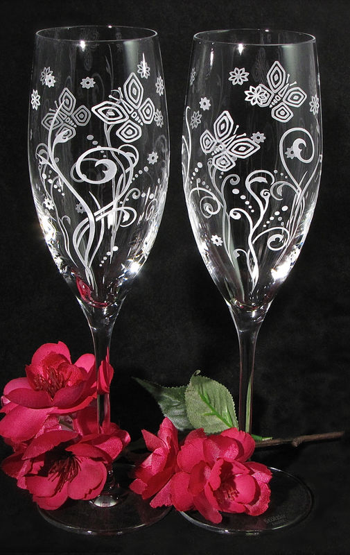 2 Modern Butterfly Champagne Glasses Wedding Gift For Couple Brad