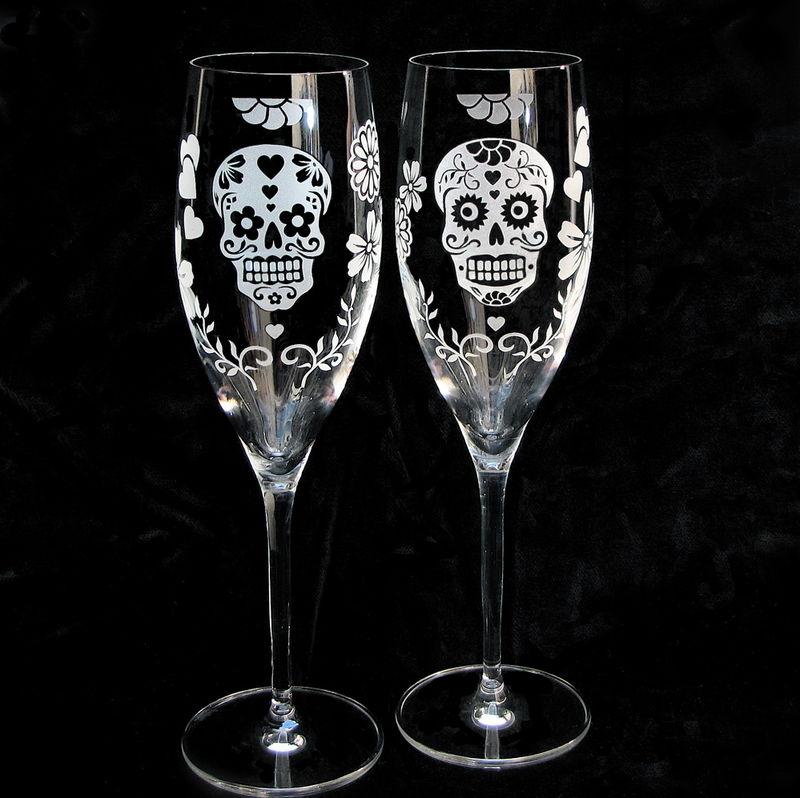 Day Of The Dead Champagne Glasses With Sugar Skulls Dia De Los Muertos Wedding Flutes