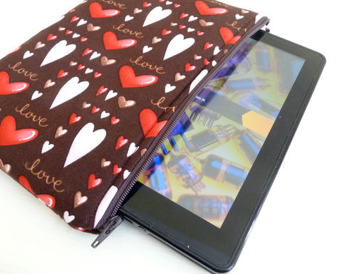 Brown,and,Pink,Hearts,Kindle,Fire,or,Keyboard,Sleeve,kindle 3 sleeve, padded kindle 3 case, padded kindle 3 sleeve, pink and brown, kindle fire sleeve, basic kindle fire sleeve, kindle fire 1 sleeve, padded kindle fire sleeve
