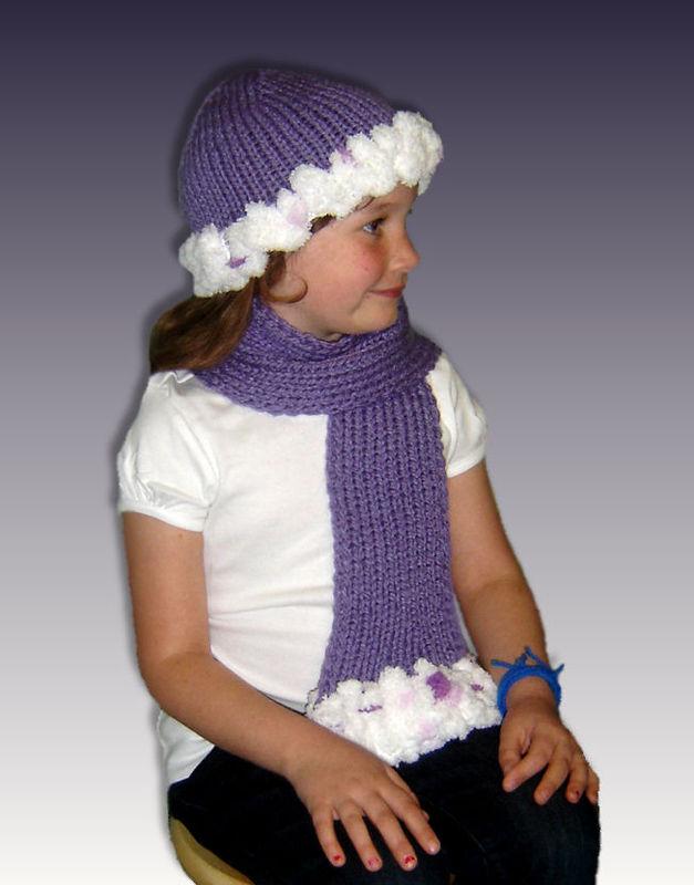 Girls Scarf Knitting Pattern : Knitting Pattern, PomPom Hat and Scarf, Girls 4-10, PDF File 1305 - StylinDol...