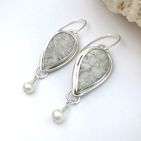Grey,and,White,Crazy,Lace,Agate,Earrings,Freshwater,Pearls,crazy lace agate earrings, fresh water Pearl drops, Handcrafted silver dangles, artisan silversmith accessories