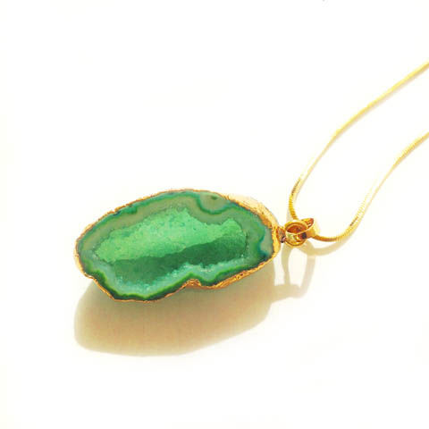 Green,Amethyst,rock,crystal,pendant,necklace,Jewellery, Crystal, Gold, Green,  Amethyst, Healing Crystal.
