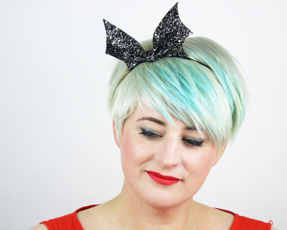 Hair accessories headbands uk - Bat Bow Headband Glitter Halloween Various Colours Accessories